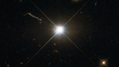 Bright quasar_credit_ESA_Hubble_cropped.jpg